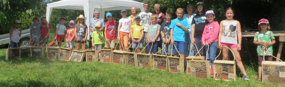 Kinderferienprogramm: Insektenhotel bauen